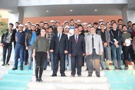 Karaman Emniyet gençlere Çanakkale gezisi düzenledi.