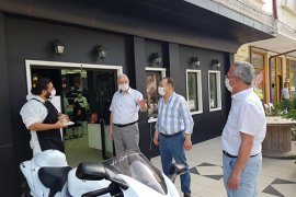 AK Parti İl Başkanı Çağlayan, Berber Ve Kuaförleri Ziyaret Etti
