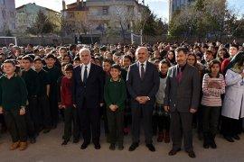 Öğrenciler İkinci Döneme Vali Fahri Meral'le Başladı