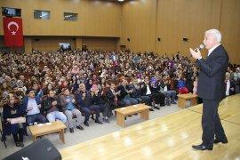 Karamanlılar Nihat Hatipoğlu'na Büyük İlgi Gösterdi