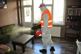 Belediye Ekipleri Büroları Dezenfekte Ediyor