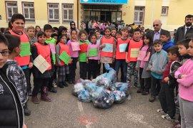 Karaman'da Öğrenciler Bahar Temizliği Yaptı