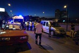 Köprülü kavşakta zincirleme kaza: 2 yaralı