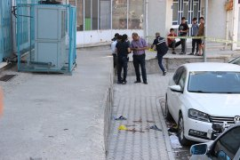 Karaman'da bir kişi sokak ortasında silahla saldırıya uğradı