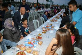 Karaman Belediyesi'nden Öksüz Ve Yetimlere İftar Yemeği