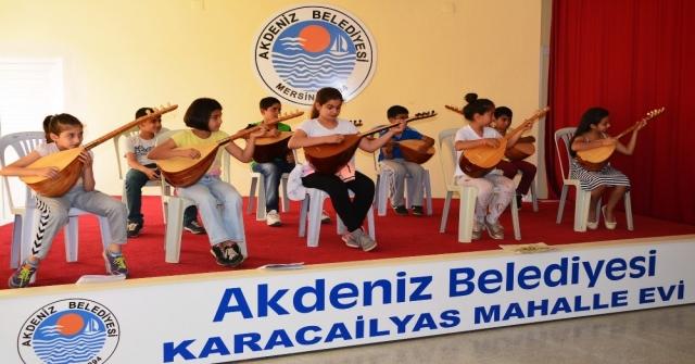 Akdenizde Mahalle Evlerinde Eğitimler Devam Ediyor