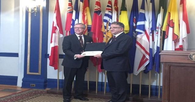 İşadamı Hüseyin Arslana Kanadadan Onur Ödülü