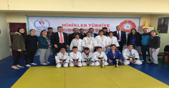 Karamanda Okullar Arası Judo İl Birinciliğinde Şampiyonlar Belli Oldu