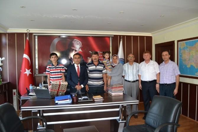 TEOG Sınav Birincisi Süleyman Topukçu'ya Ödül