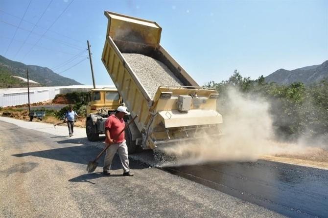 Anamur'da Asfalt Yol Çalışmaları Devam Ediyor