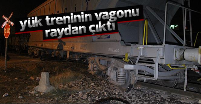Yük treninin vagonu raydan çıktı