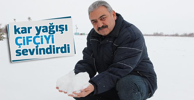 Karaman'da kar yağışı çiftçiyi sevindirdi