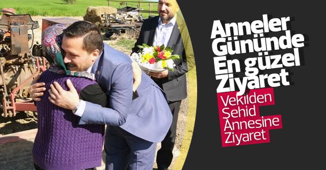 Selman Oğuzhan Eser, Şehid Annesini ziyaret etti.