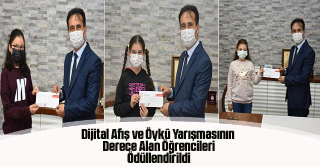 Öykü Yarışmasının Derece Alan Öğrencileri Ödüllendirildi