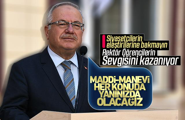 KMÜ Rektörü Namık AK Öğrencilerin sevgisini kazanıyor.