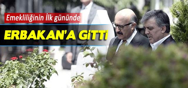 Abdullah Gül Erbakan'ın mezarını ziyaret etti