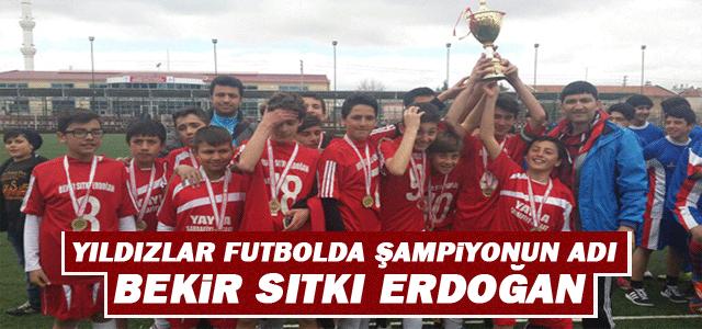 """Yıldızlar Futbolda Şampiyonun Adı """"Bekir Sıtkı Erdoğan"""""""