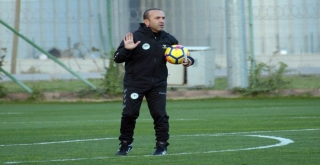 """Mehmet Özdilek: """"Kupada İkinci Maça Avantajlı Bir Sonuçla Gitmek İstiyoruz"""""""