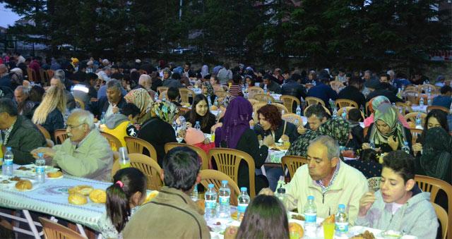 Kulu'da Yardımlaşma ve Dayanışma Derneğinden iftar