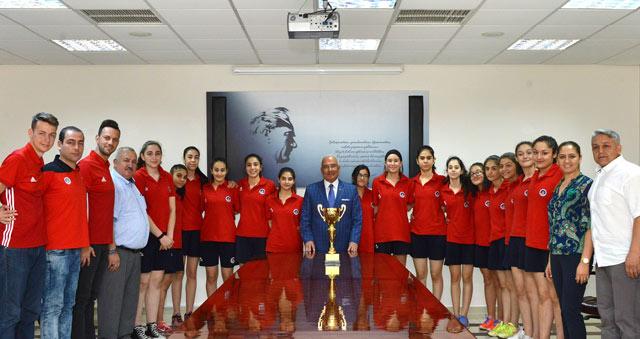 Genç basketbolcular başarılarını Başkan Kocamaz ile paylaştı