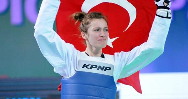 Mustafa Kalaycı'dan Dünya Şampiyonuna tebrik