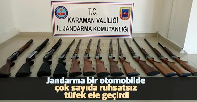 Jandarma, bir otomobilde çok sayıda ruhsatsız tüfek ele geçirdi