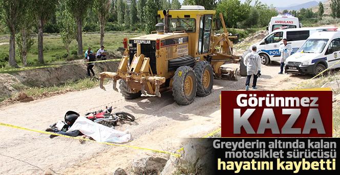 Greyderin Altında Kalan Motosiklet Sürücüsü Öldü
