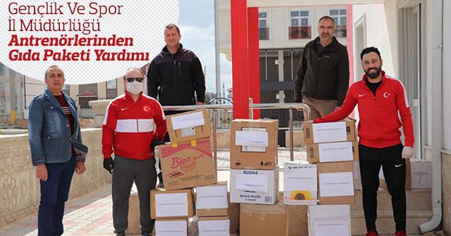 Antrenörlerden Gıda Paketi Yardımı