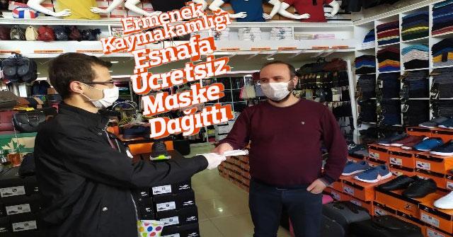 Ermenek Kaymakamlığı İlçedeki Esnafa Ücretsiz Maske Dağıttı