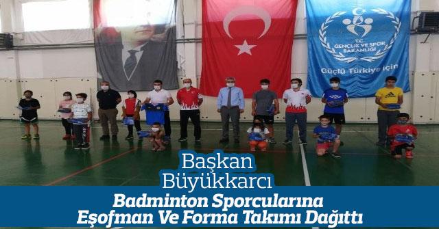 Ayrancı Belediyesi'nden Badminton Sporcularına Malzeme Desteği