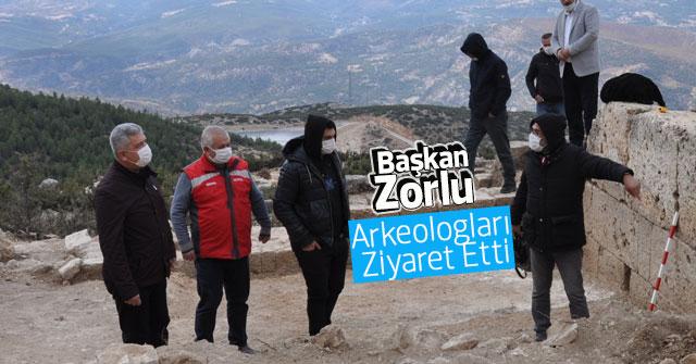 Başkan Zorlu Arkeologları Ziyaret Etti